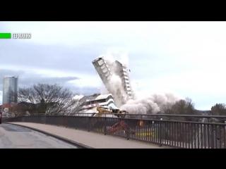 В Германии взорвали знаменитый Bonn-center