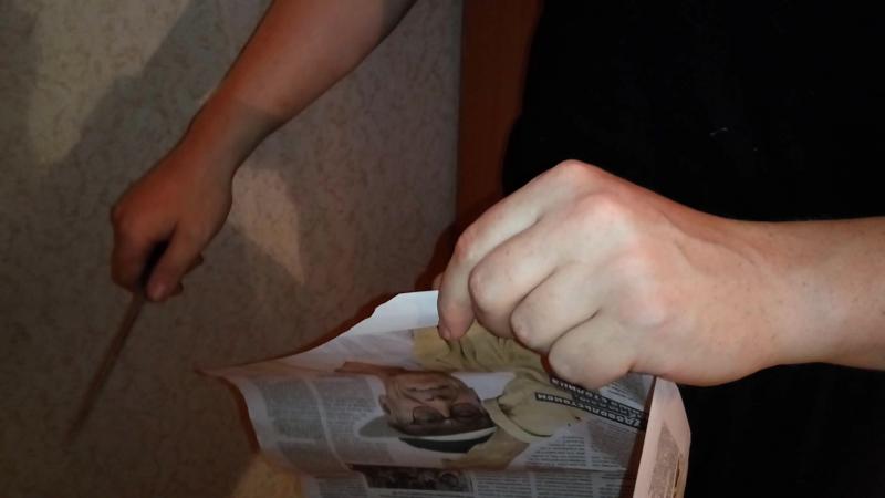 Тест выровненного и переточенного кизлярского дамасского ножа на газете