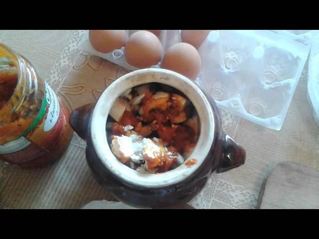 Рецепт вкусного и очень быстрого обеда в глиняном горшочке в микроволновке.
