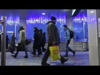 Как объявляют поезда на вокзале в Киеве (HD)(снято 7 января 2017 года)