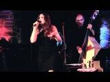 Halie Loren -