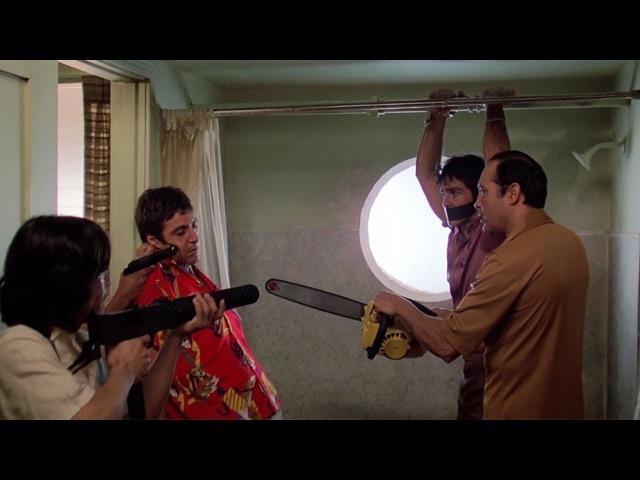 Наркосделка. Пытка бензопилой — «Лицо со шрамом» (1983) сцена 1/10 HD