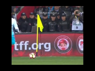 Великолепный финт Эмре Мора во вчерашнем матче Турции против Молдовы