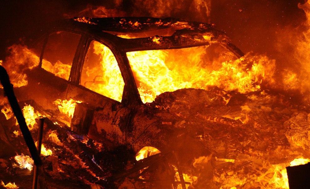 Под Таганрогом сгорел гараж и Volkswagen Polo