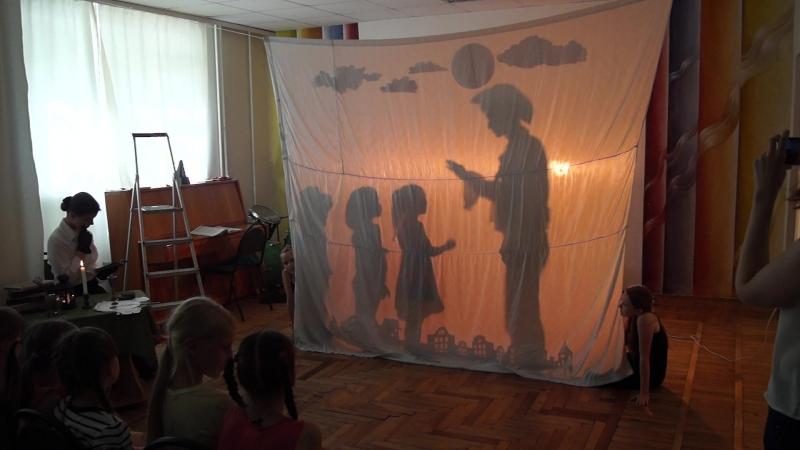 Театр тіней Світлячки. Гуллівер в країні ліліпутів