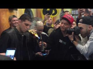 Ник и Нейт Диаз скурили косяк марихуаны за 2000$ в виде перчатки