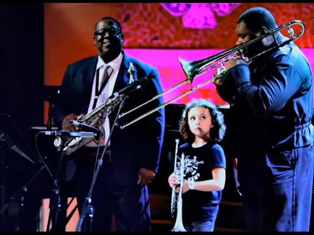 2011 fragmento de A FILM ABOUT KIDS AND MUSIC ) Sant Andreu Jazz Band ( Joan Chamorro direccion )