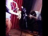 Работаем над новым музлом для нового трека с Юлия Ласкер, пишем живой сакс