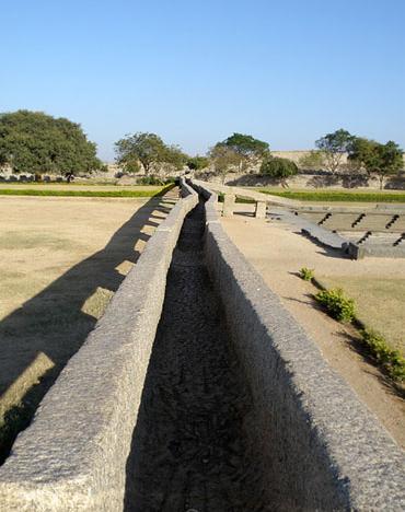 акведук индия хампи
