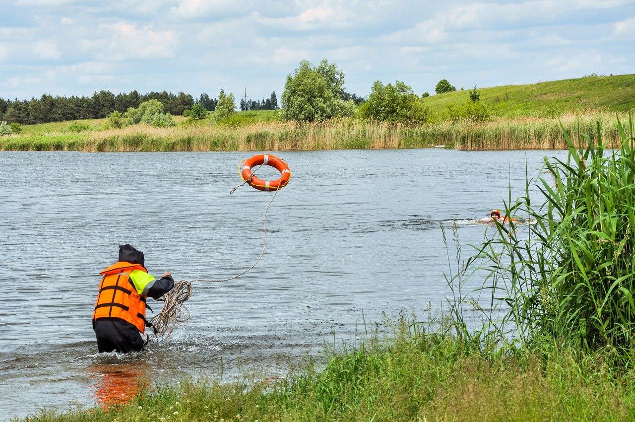 В Каменецком районе утонула женщина - перевернулась на надувном матрасе