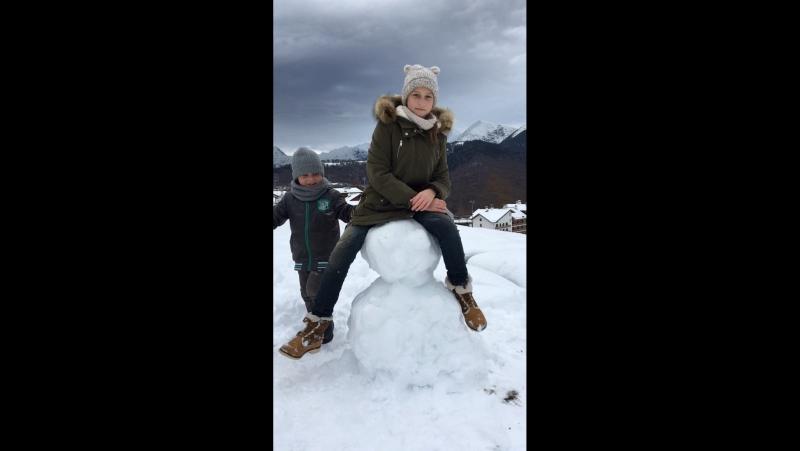 Our snowman))☃️🌨❄️