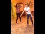 Лана танцует