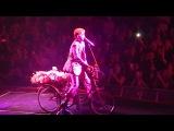 Queen + Adam Lambert - Don't Stop Me Now & Bicycle Race - Seattle Key Arena - 07-01-17