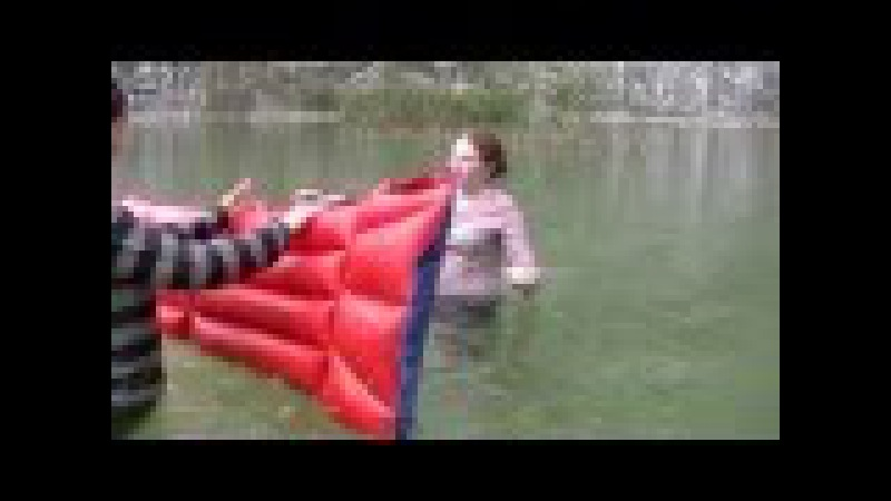 Wetlook Gossin - Two girls bathe in the lake