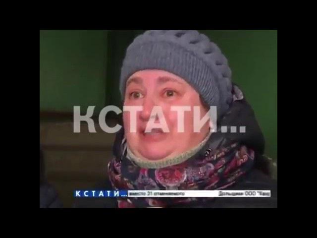 Великая Россия встала с колен: россияне сдают кольца и серьги в ломбард, чтобы оп...