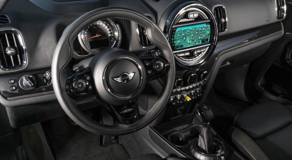 MINI представила динамичный гибрид Cooper S E Countryman ALL4.