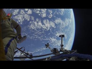 Космическая прогулка российских космонавтов Фёдора Юрчихина и Сергея Рязанского, записанная на GoPro-камеру.