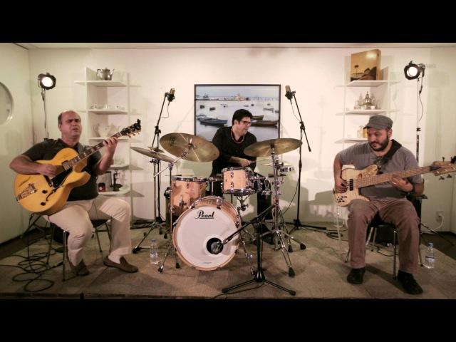 Paca tatu, cotia não - Nosso Trio (Nelson Faria, Ney Conceição e Kiko Freitas)