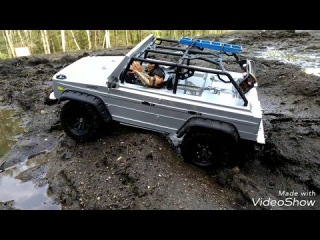 rc trophy G-class in mud