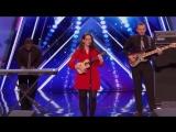 Глухая девушка очаровала судей своим пением на шоу талантов (трогательное видео)