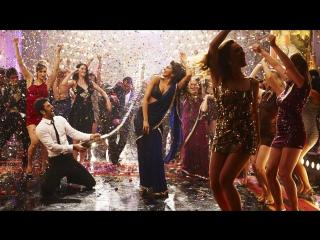 клип из индийского фильма Эта сумасшедшая молодежь