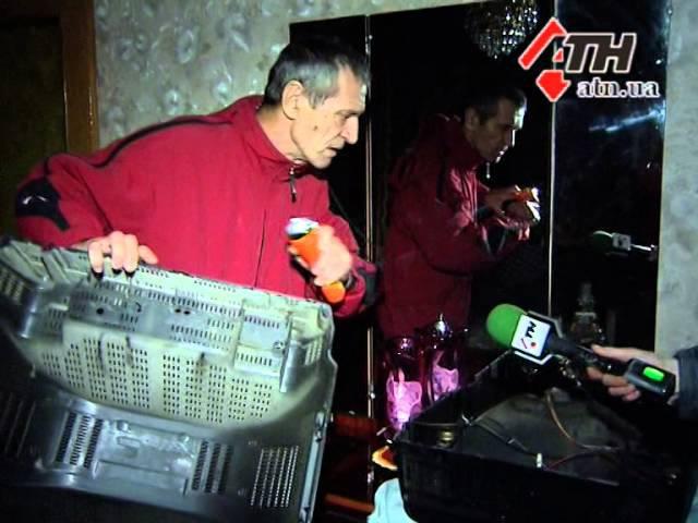 03.11.14 - Вместо 220 вольт - 400: мощный скачок в доме на Алексеевке чуть не привел к пожару