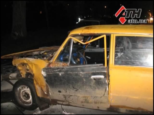 18.02.14 - Акура перевернула ВАЗ и врезалась в столб - ДТП на Салтовском Шоссе