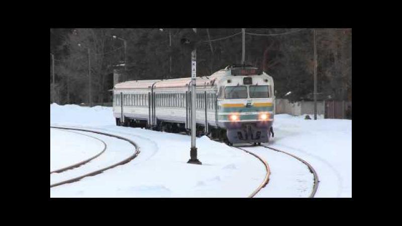 Дизель-поезда ДР1А-228/229 и ДР1А-230 в ст. Лийва / DR1A-229/228 DR1A-230 at Liiva station