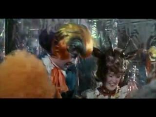 17 - Попка-Суперстар (из фильма Мама, 1976)