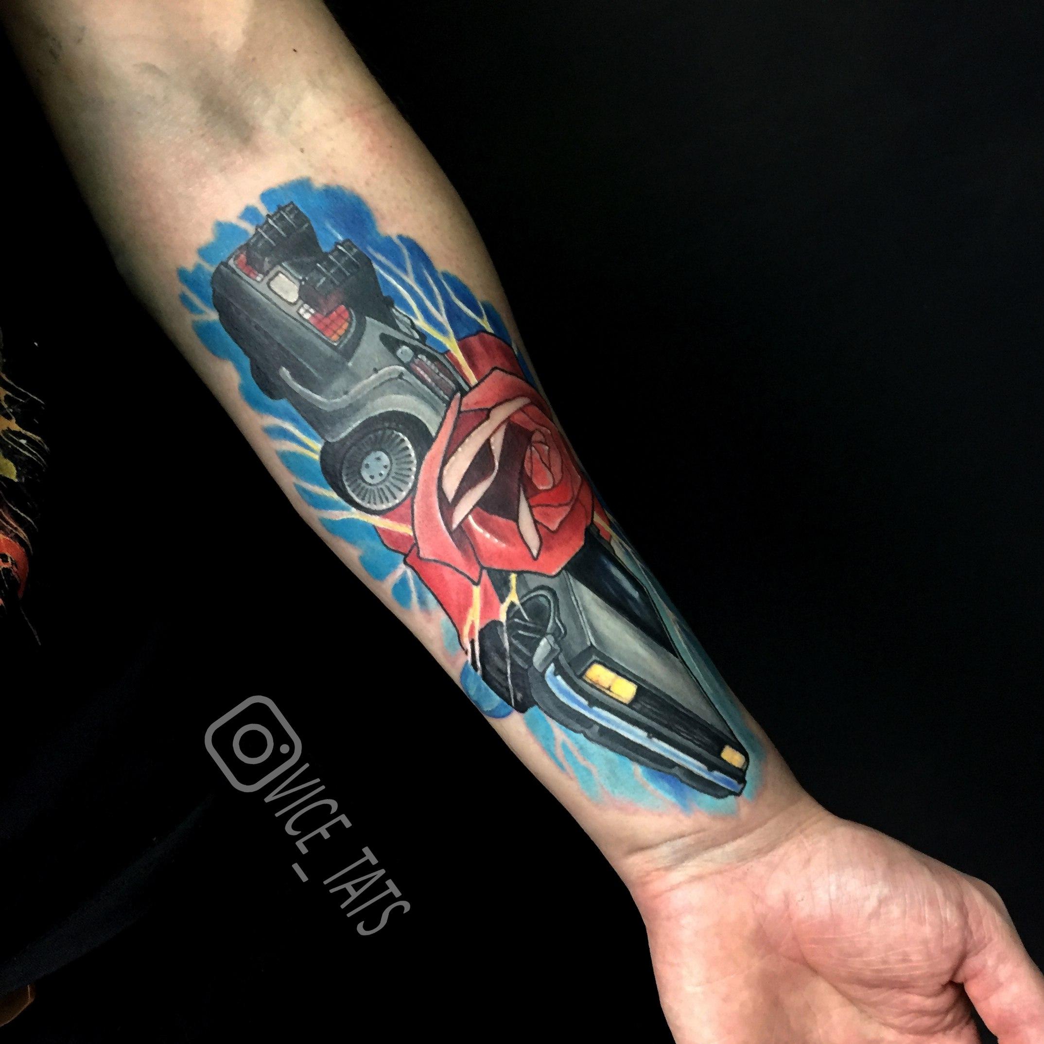 Художественная татуировка «Назад в будущее». Мастер Дима Поликарпов