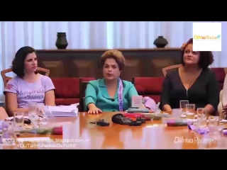 Dilma Rousseff e sua caneta.
