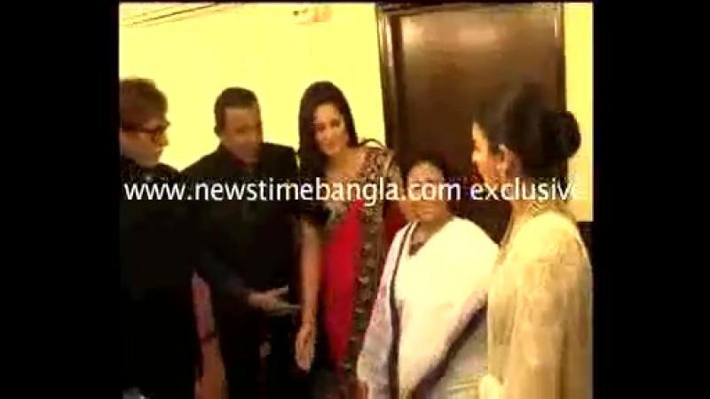 Эксклюзивное настроение на кинофестивале в Калькутте, снятое камерой новостей Time Time (2012)