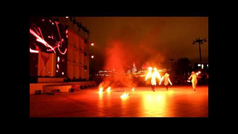 Фаер-шоу Hunters of light на презентации Исламиады-2017 в Баку