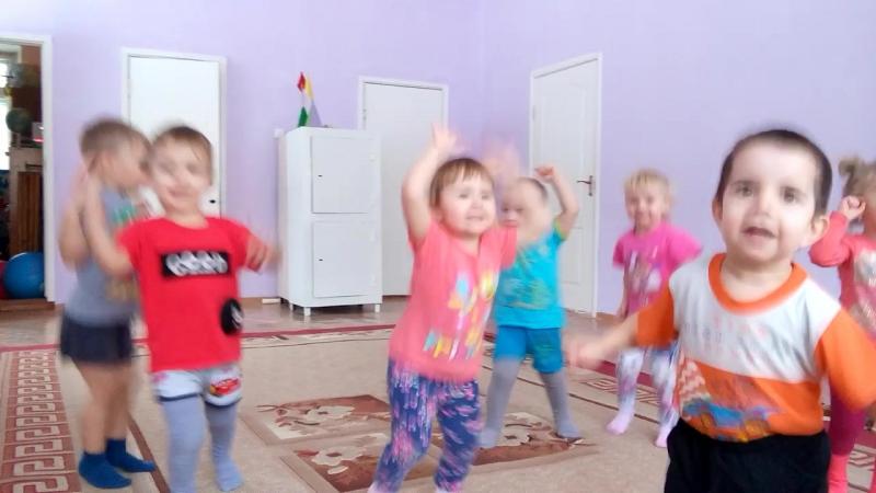 Группа раннего возраста кап-кап-кап, дождик пошел Воспитатель Галиакберова В.И.