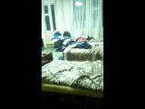 Как нужно ложиться в кровать ,когда пришёл хореограф(не повторять,трюки были выполнены профессионалами)