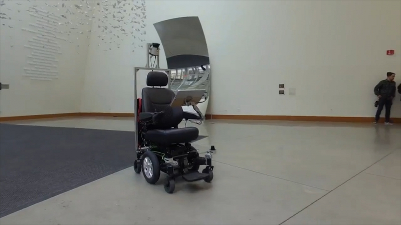 Інвалідний візок із технологією автопілоту