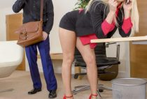 Candee Licious – Sensual Delivery