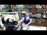 Гастрономический спор: пьяная парикмахер прокусила голову продавщице чебуреков