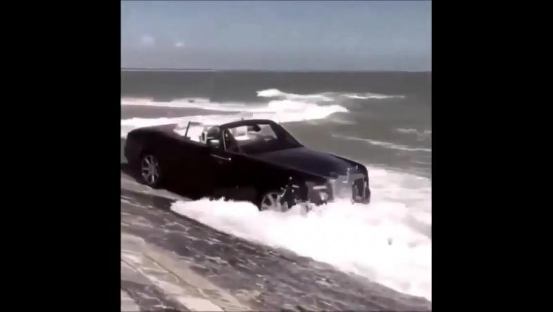 Rolls Royce - красиво жить не запретишь