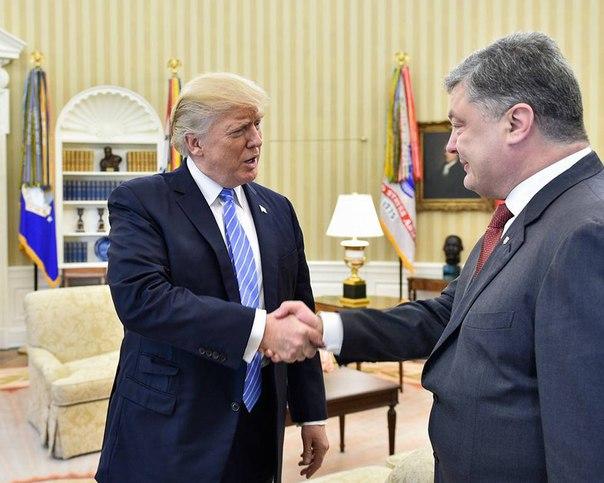 Напуганный Порошенко захотел помириться с Путиным    Напуганный Пороше