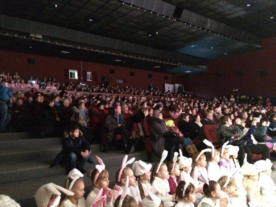 """В """"Современнике"""" в выходные прошёл концерт для мам"""