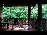 10 минутный утренний комплекс йоги для мам и дочек