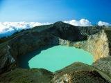 Флорес  цветные озера вулкана Келимуту.(Volcano)