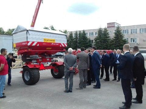 Сегодня с рабочим визитом в регионе - полпред президента России в ЦФО Александр Беглов — Изображение 3