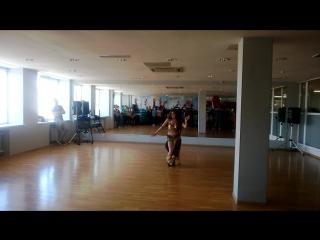 Танец шейху ! - исполнитель Илюза .