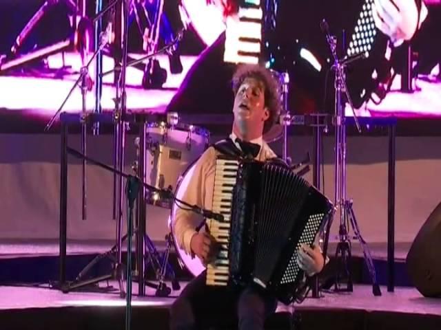 Fantastico assolo di fisarmonica eseguito da Pietro Adragna