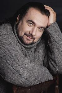 Владимир Ларионов