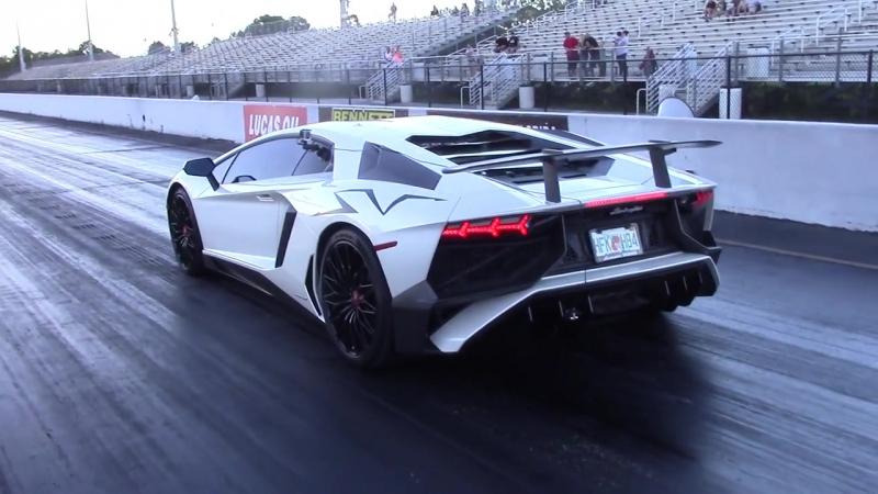 Lamborghini Aventador SV vs Tesla Model S P100D Ludicrous Plus Drag Race