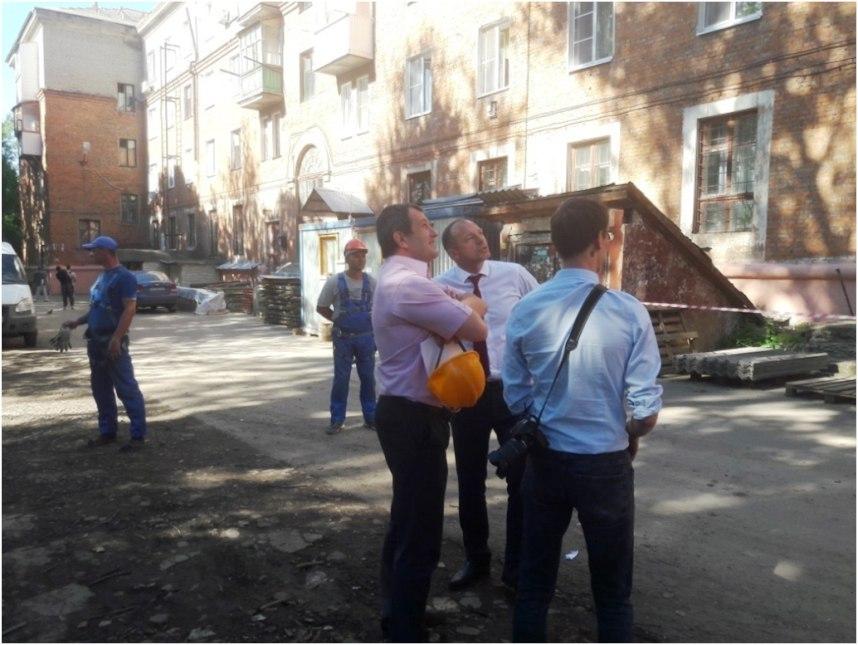 Глава администрации Узловского района проверил качество капремонта МКД