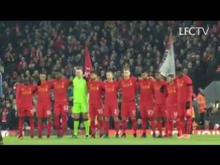 Фанаты «Ливерпуля» организовали перфоманс в память о погибших футболистах и работниках клуба «Шапекоэнсе»